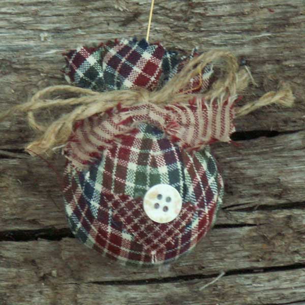 Primitive Quilted Homespun Christmas Ornaments - Jubilee Homespun Projects - Primitive Quilted Homespun Christmas Ornaments - Jubilee Homespun